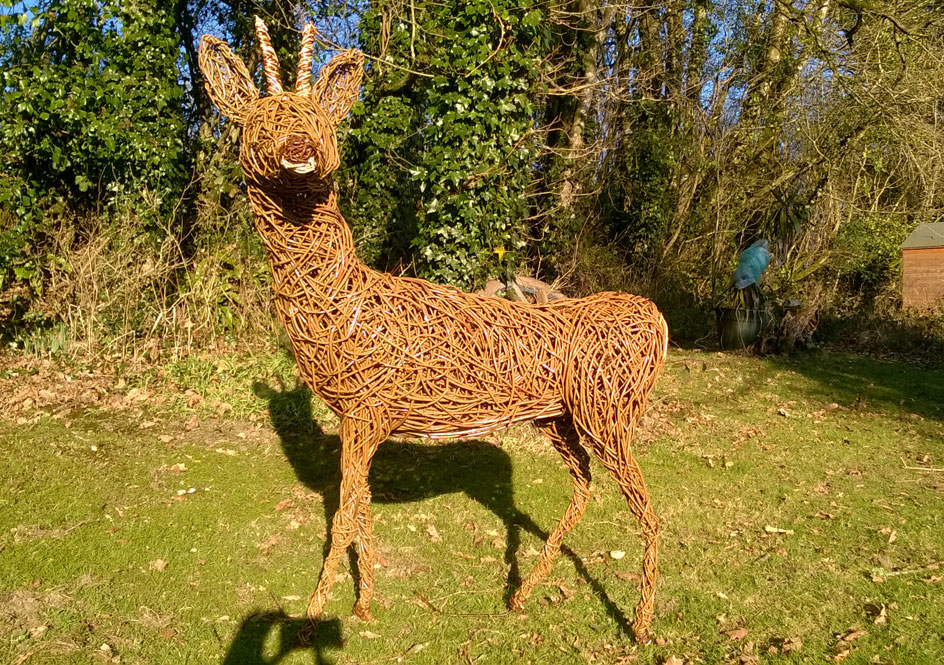roe deer willow sculpture