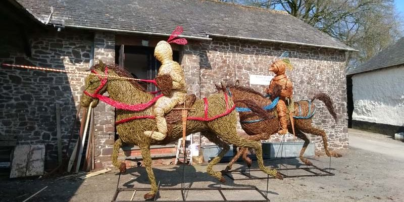 """I was commissioned by Hampton Court palace in London to create these two knights as part of their year long celebration of the painting ,""""Field of cloth of gold"""". They took about 3 months to create – and they were 10 feet high and about 15 feet long. (For horsey[...]"""