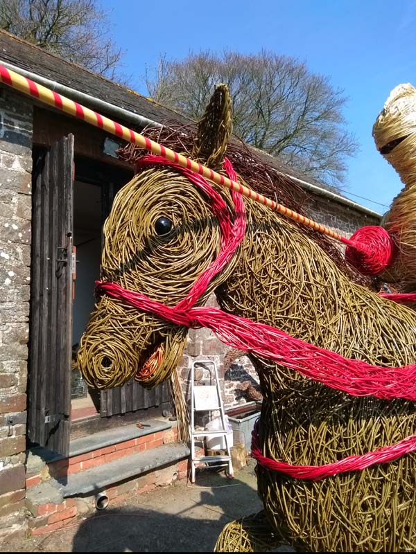 Close up of English knight's horse willow sculpture
