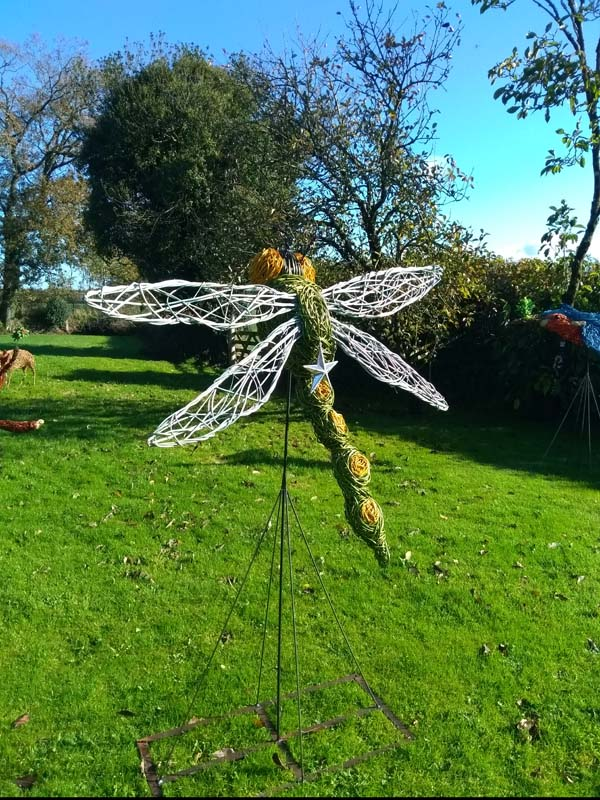 giant 4 ft long willow dragonfly