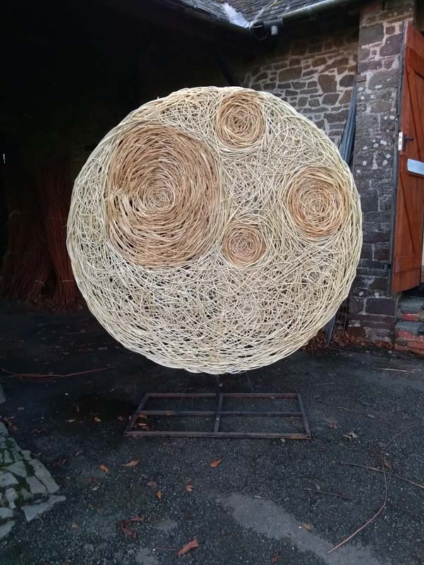 6 ft wide willow full moon