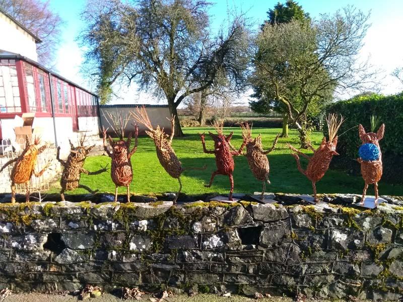 8 Boggarts on a wall