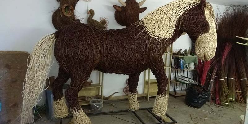 I was commissioned to make this shire horse for Blenheim palace near Oxford. She was made on a steel frame and willowed in a dark brown willow with white willow mane and tail and feathering of her legs. She also has glass eyes and a ribbon in her tail. She[...]